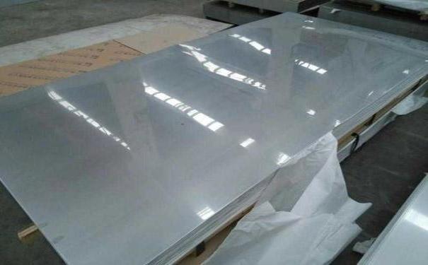不锈钢板腐蚀前都会有几种状况